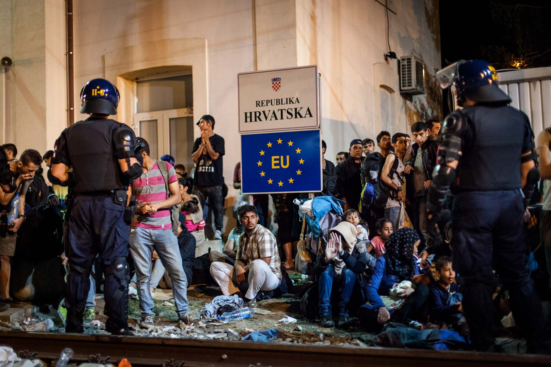 Croatian police was heavily overwhelmed by the Thousands of people that arrived in the last days of September, hoping to find a way to Western Europe.