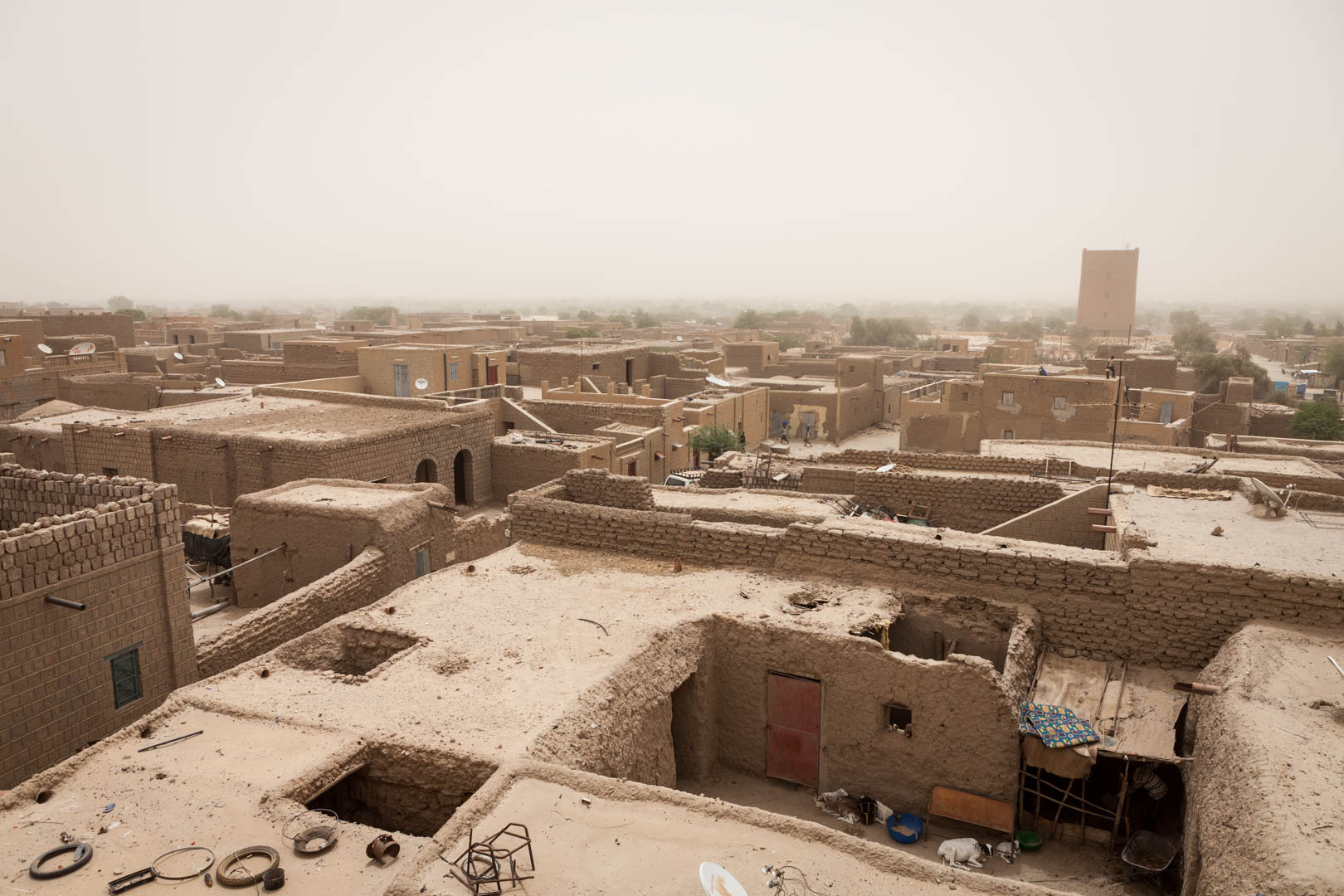 A general view over Timbuktu. Timbuktu has not only been deprived of its economical values when it lost its status as important trading city. Now with the manuscripts in Bamako, it also lost its cultural identity.
