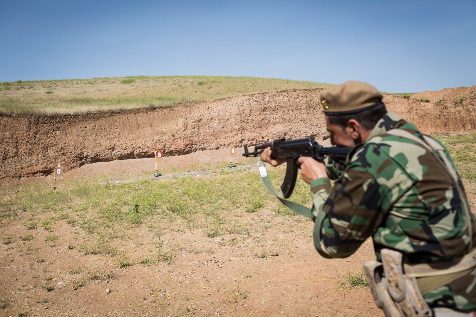 A Peshmerga soldier takes aim at the shooting range. Most of the Peshmerga trained by German and coalition forces are affiliated with the Barzani-led Kurdish Democratic Party, the ruling Kurdish party in the northern part of Kurdistan in Iraq.