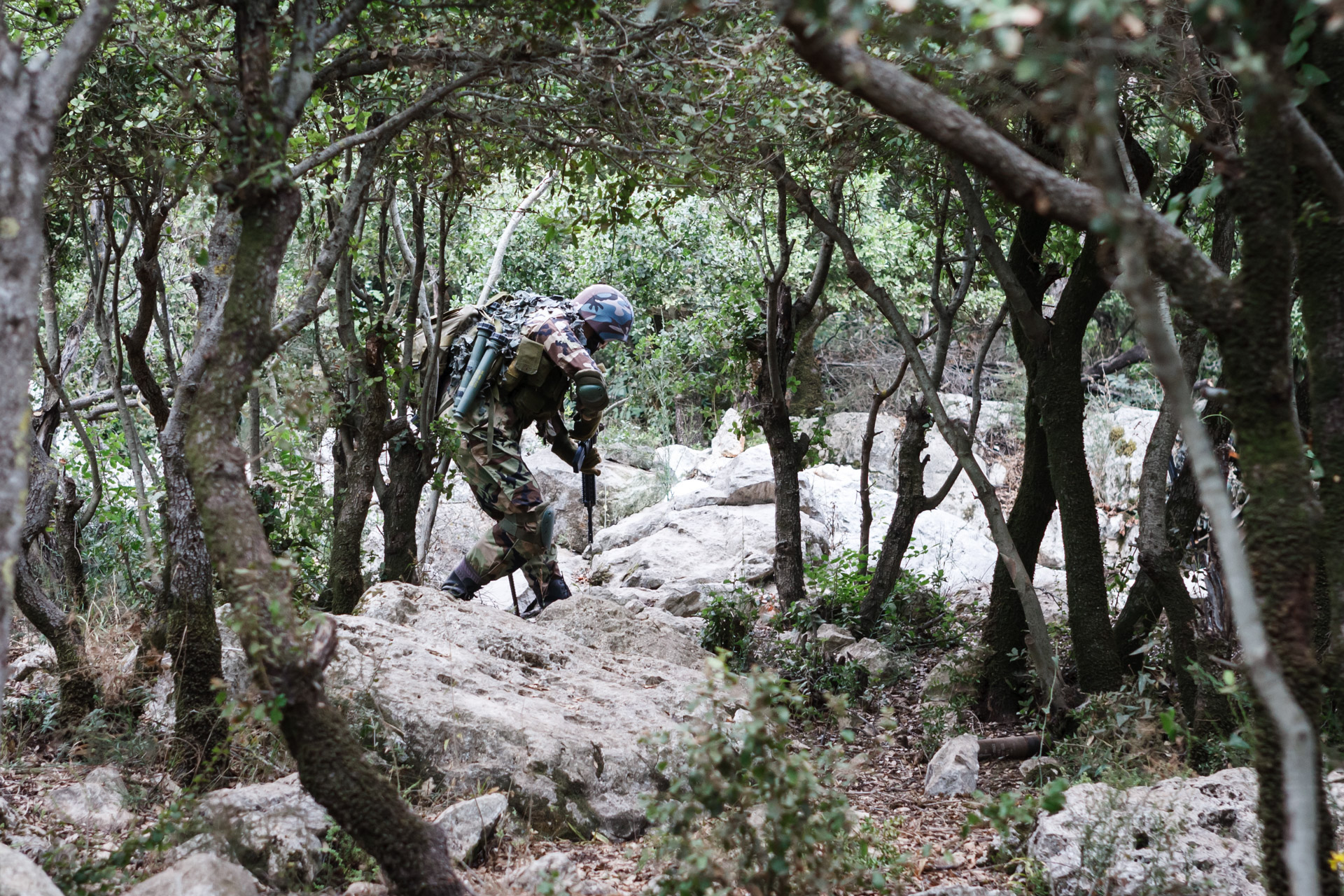During the tour, Mleeta tries to set up a realistic scenario what the mountain used to look like in times of active conflict. Here, a Hezbollah soldier can be spotted wandering in a forest.
